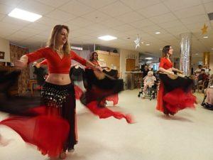 21-12-16-f-te-de-Noel-danseuses-orientales--20-